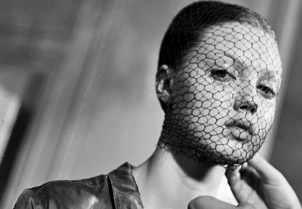 ¿Cómo saber si soy alérgica al maquillaje?