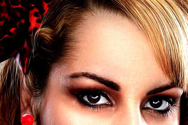 Resalta el lado más andaluz de tu mirada con este maquillaje para la Feria de Abril