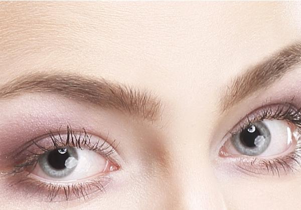 Diferencias entre una sombra de ojos hipoalergénica y una que no lo es