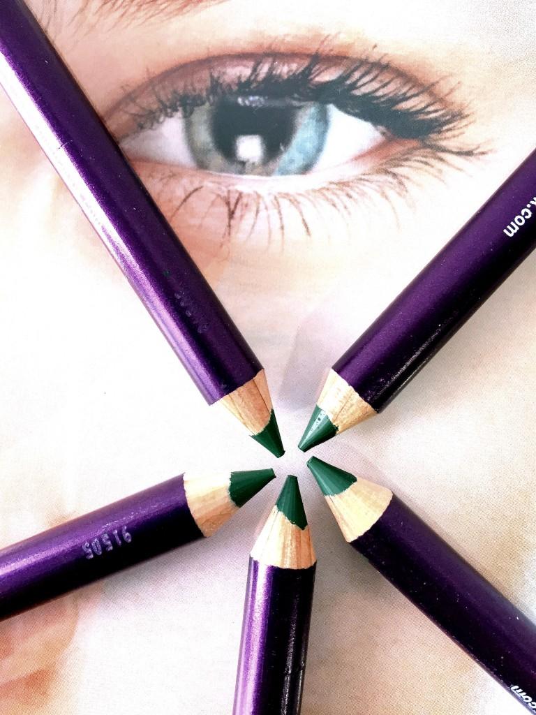 eyeliner dermalook verde