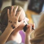 ¡Ves con ojo! Los peligros de compartir tu maquillaje